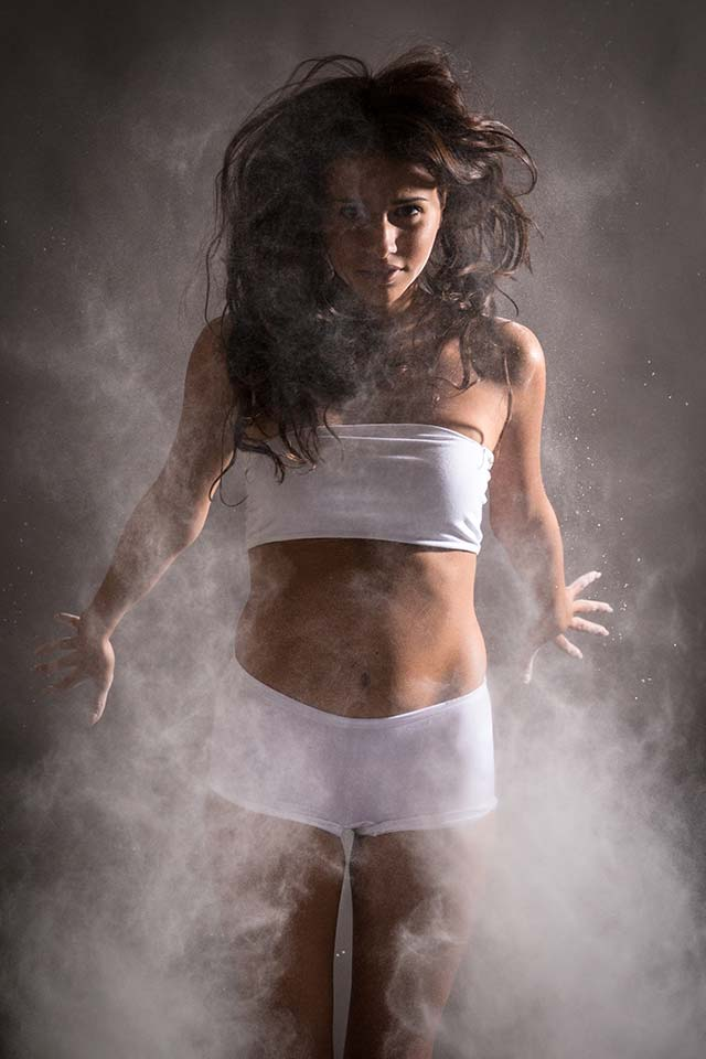 Profoto B1X - powder photography