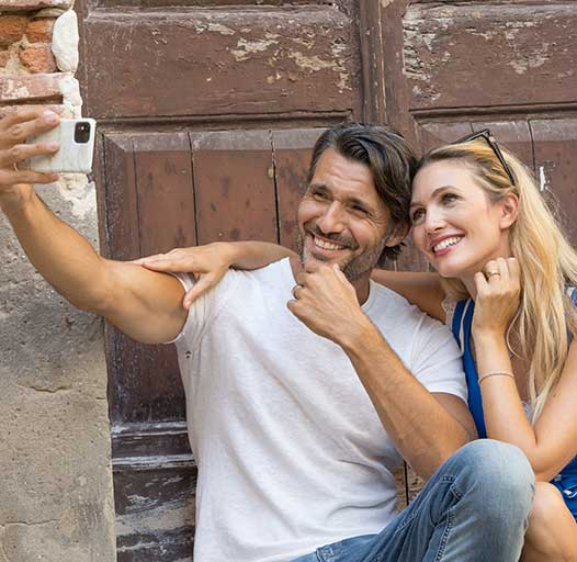 selfie fotografia commerciale con francesco allegra ed eleonora albrecht